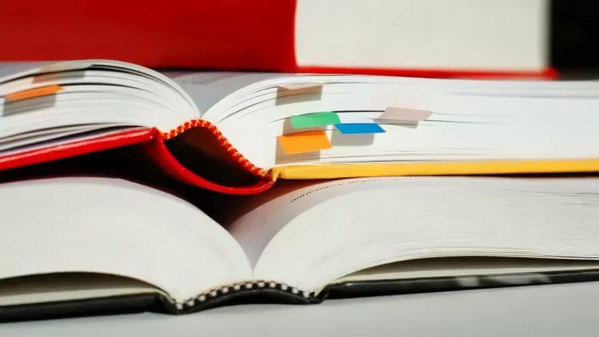 Ekonomiutbildningar och böcker
